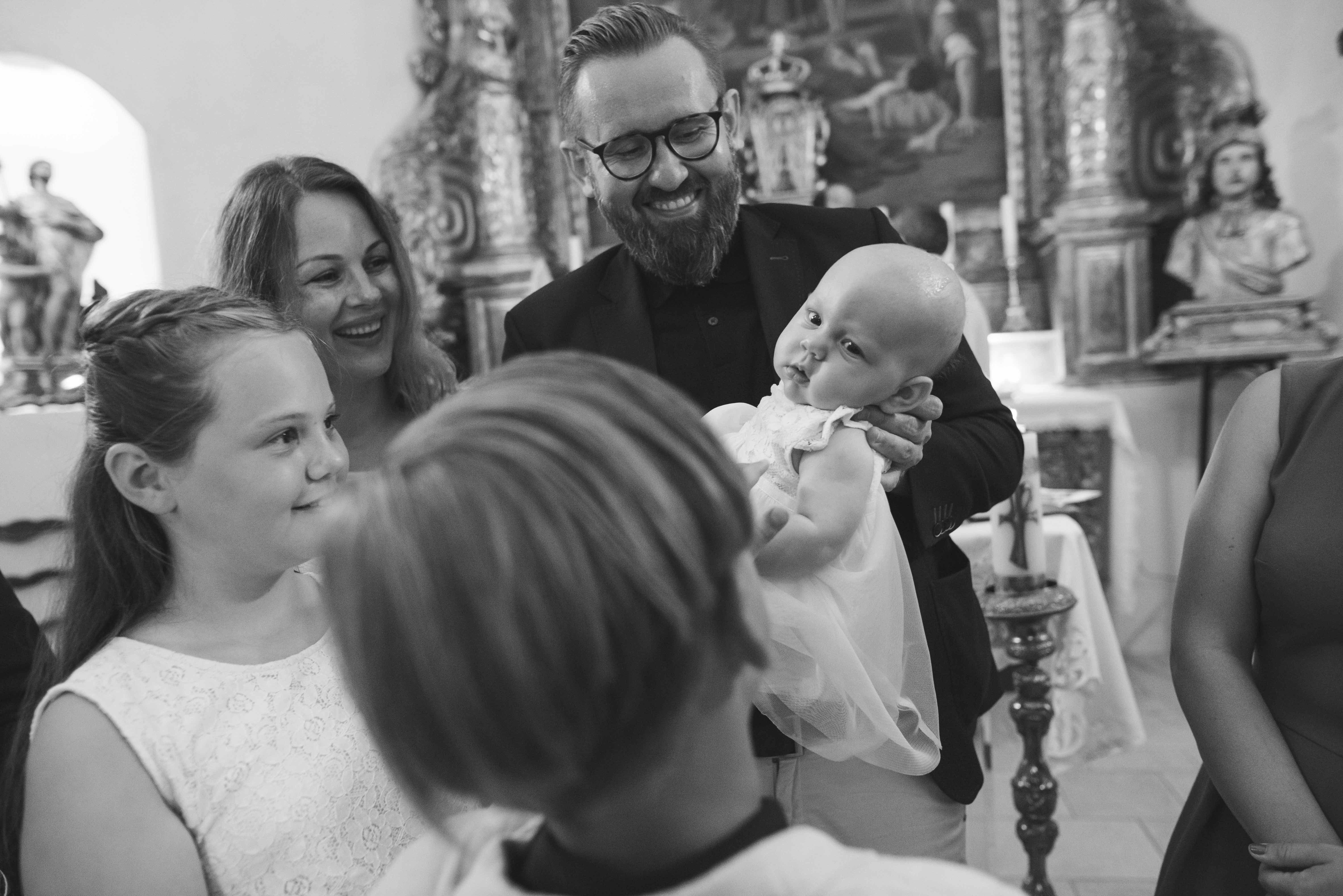 Baptême a l'église photographe